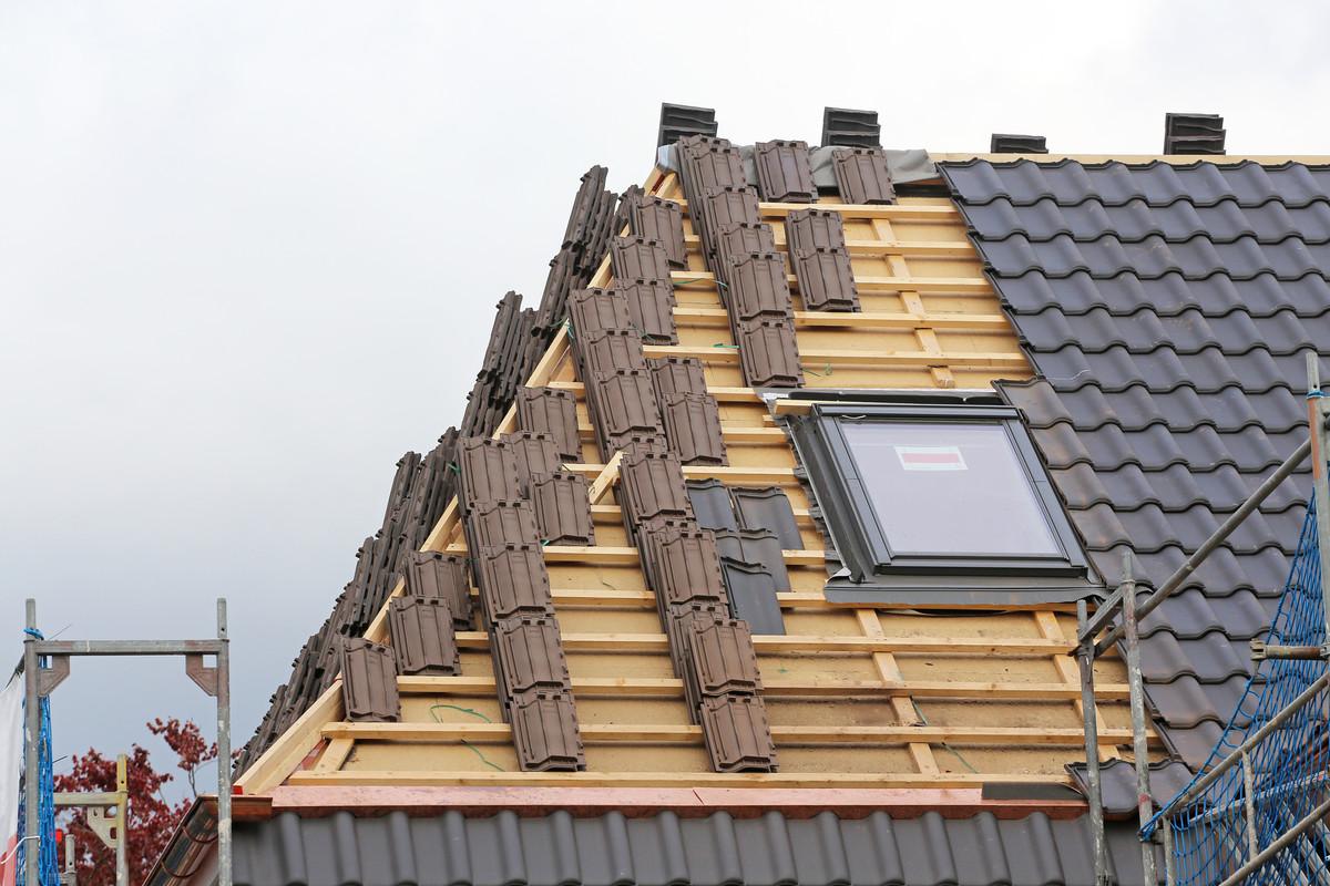 Dachdeckerei preiss arbeiten rund ums dach in oranienburg - Gartenhaus neu eindecken ...